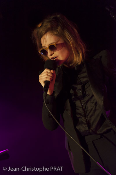 CHRISTINE & THE QUEENS - Queen of Pop. - Page 7 120204_CHRISTINE_AND_QUEENS_040